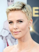 D2 Cherlize Theron